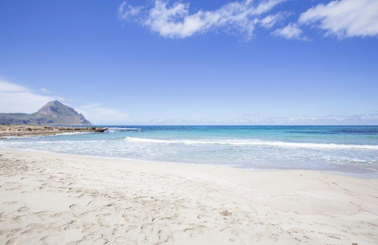 spiaggia-di-castelluzzo